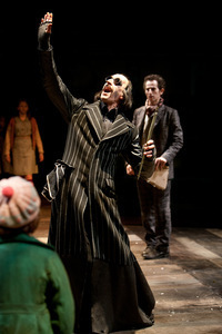 Michael Mears as Pied Piper in Carol Ann Duffy's Rats' Tales Credit Jonathan Keenan