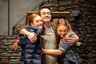 THE HOUSE ON COLD HILL Persephone Swales-Dawson, Joe McFadden, Rita Simons ©Helen Maybanks