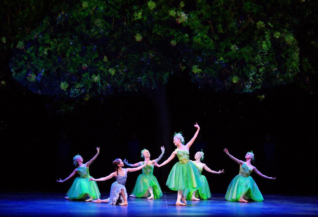 English National Ballet's Cinderella (c) Laurent Liotardo
