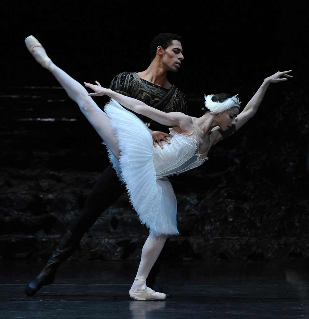 Céline Gittens as Odette and Tyrone Singleton as Prince Siegfried; photo: Roy Smiljanic