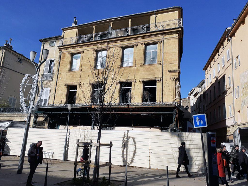Café des Deux Garçons on the ground floor of the Gantès Hotel