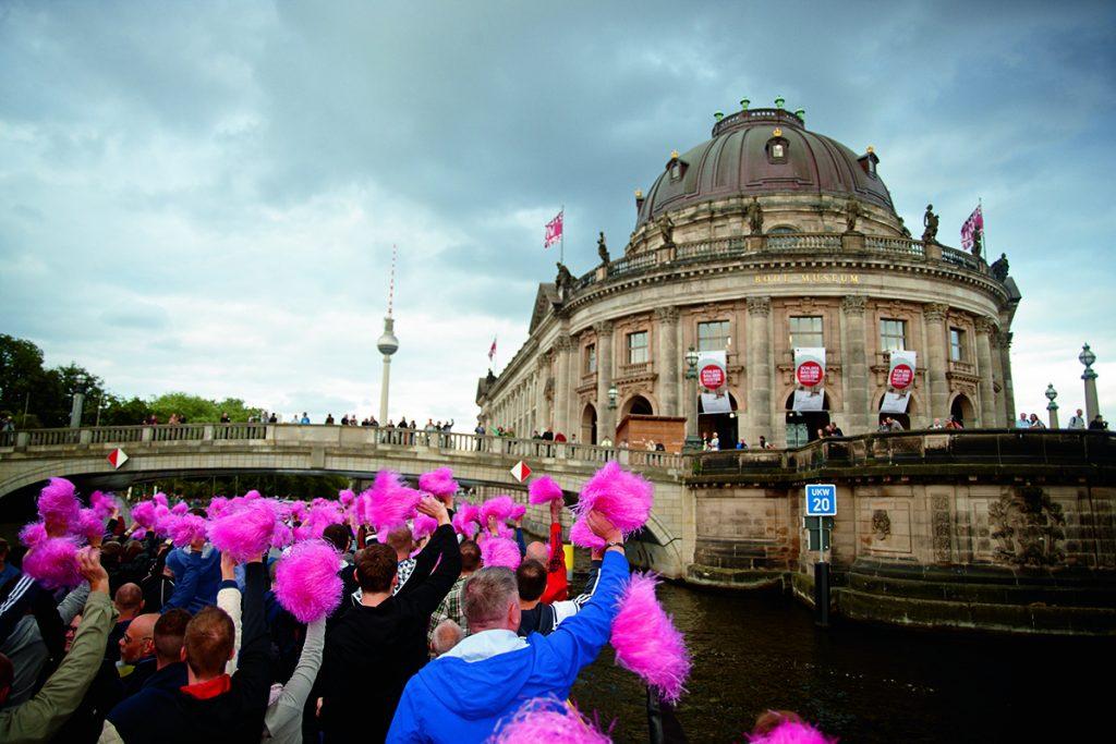 Berlin - Christopher Street Day Parade Copyright: Jessica Zumpfe; visitBerlin
