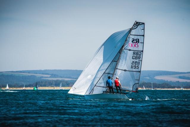 Hayling Island Sailing Club Photo byAlexander AndrewsonUnsplash