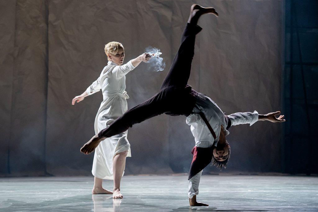 Rambert dancers Simone Damberg Würtz and Liam Francis in Wim Vandekeybus' Draw From Within © Camilla Greenwell