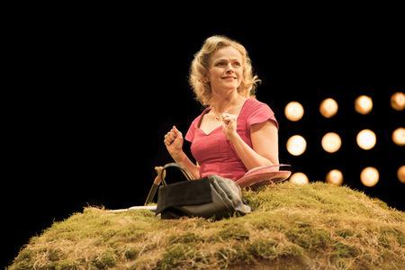 Maxine Peake as Winnie. Credit: Johan Persson.