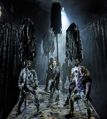 The cast of the UK and Ireland tour of the NTs Macbeth credit BrinkhoffMogenburg