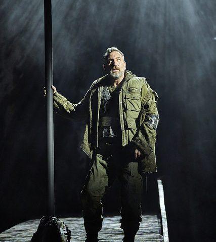 Michael Nardone (Macbeth)_UK and Ireland NT tour__credit BrinkhoffMogenburg