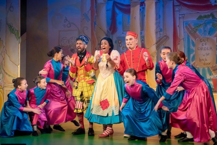 Oldham Coliseum pantomime Cinderella 2018. Credit: Darren Robinson.