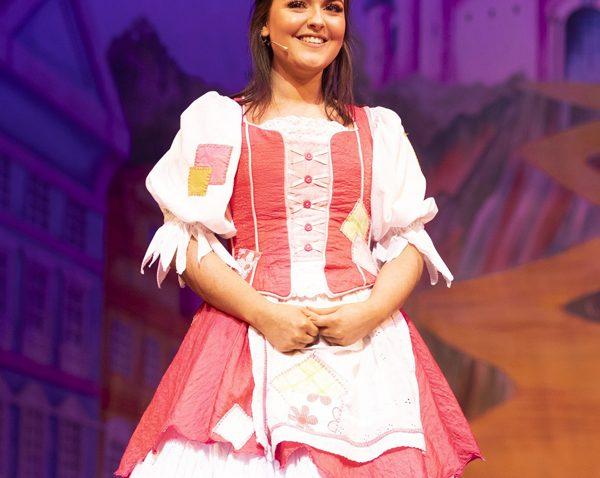 Shannon Flynn as Cinderella. Photo: Phil Tragen
