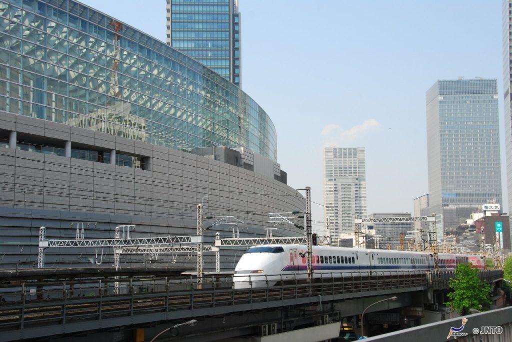 Shinkiansen Bullet Train ©Y.Shimizu ©JNTO
