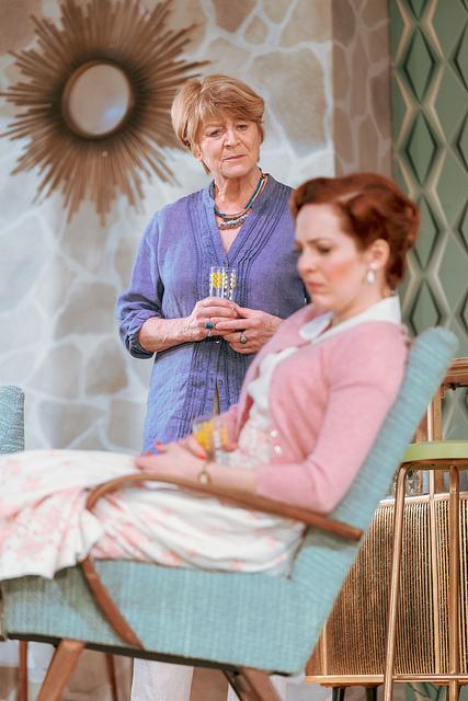 Susan Brown (Sylvia) and Katherine Parkinson (Judy) © Manuel Harlan