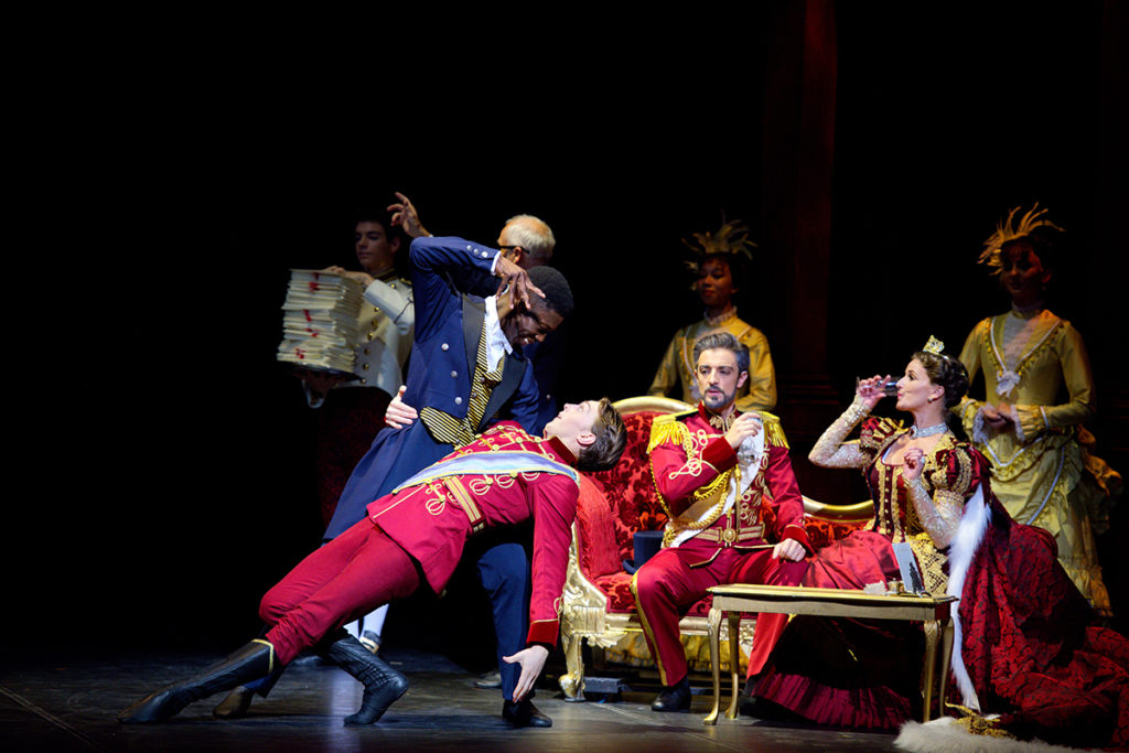 English National Ballet's Cinderella (c) Laurent Liotardo