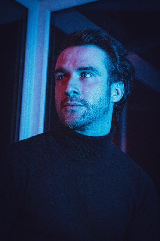 Simon Hallman as GUY (c) Sean Longmore