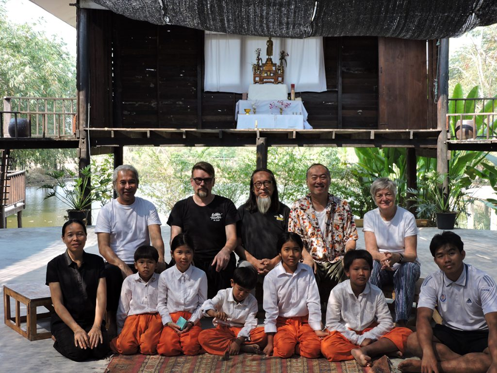 Andreas and Cast: Moradokmai Theatre Community from Thailand