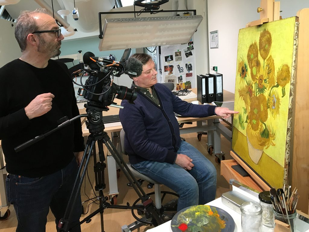Sunflowers - Amsterdam David Bickerstaff filming conservation © Nienke Bakker
